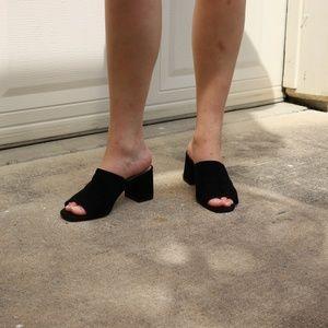 Black Suede Aldo Open toes Mules